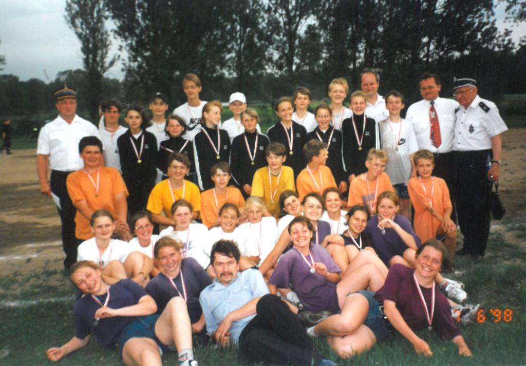 1998 - wronki zawo pożarn medale wszyscy