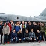 Uczniowie zLeśnej odwiedzili Bazę Lotnictwa Taktycznego