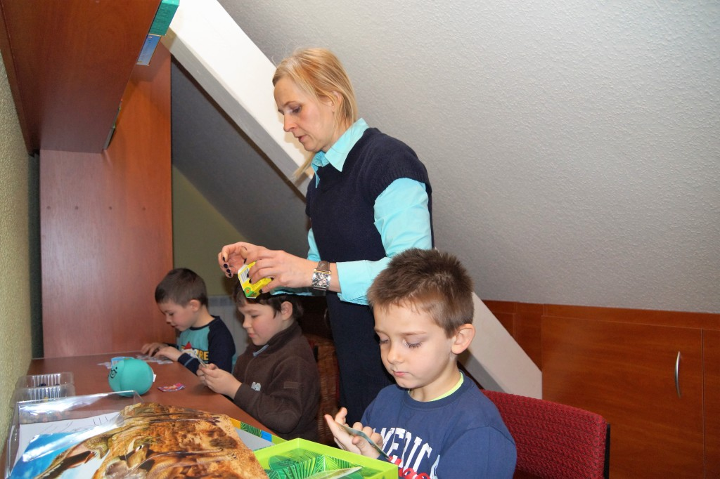 W bibliotece szkoły wNowej Wsi dzięki wsparciu Fundacji Amicis zagospodarowano dodatkowe pomieszczenie napoddaszu