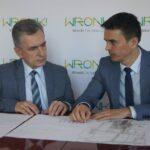 Przewodniczący Rady MiG Wronki Piotr Rzyski odpowiada napytania wsprawie uchwały – wrzutki
